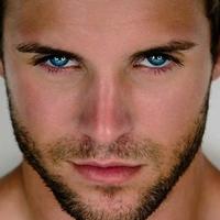 blue-eyes-male