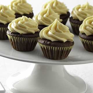 mini-chocolate-cupcakes-with-pumpkin-frosting-thumb